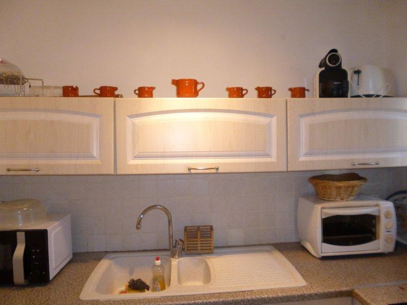 vente appartement nimes n mes 30000. Black Bedroom Furniture Sets. Home Design Ideas